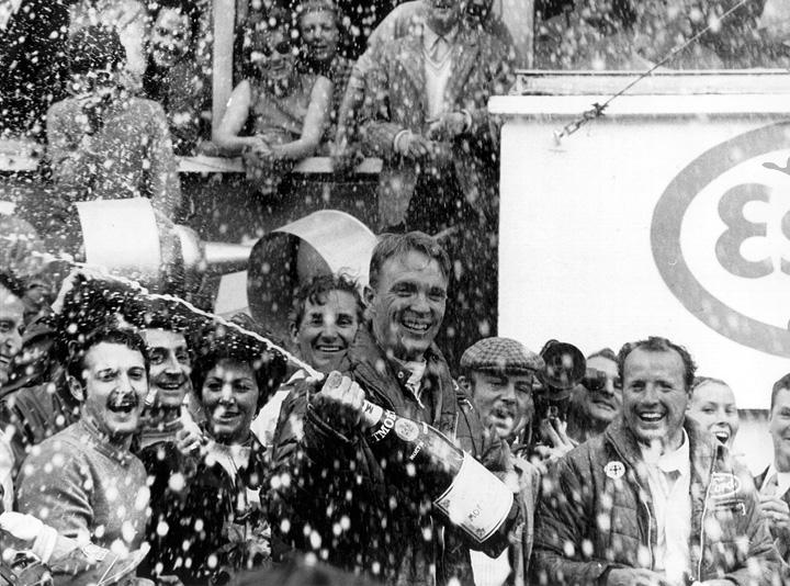 50 años de la primera ducha de champagne - SoyMotor.com