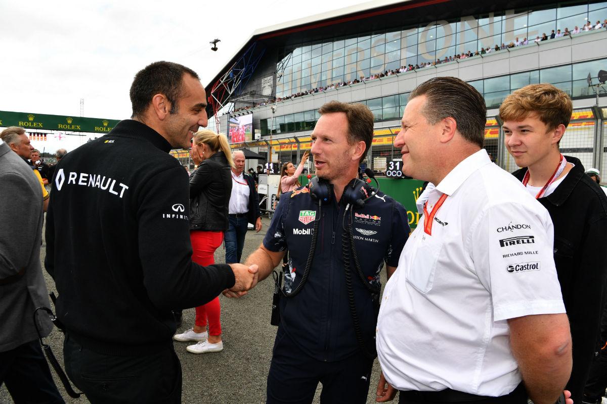 Abiteboul, Horner y Brown durante el GP de Gran Bretaña 2017 - SoyMotor.com