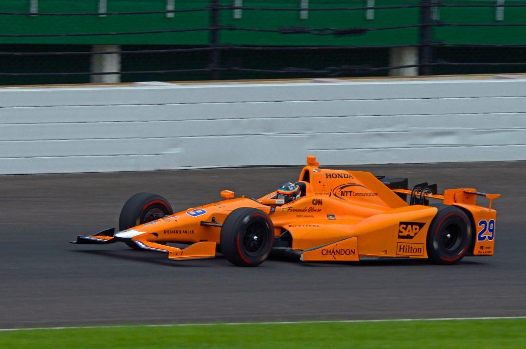 Alonso superó el test de 'rookies' sin problemas - SoyMotor.com