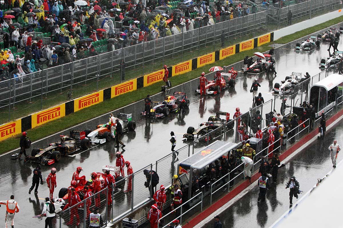 La carrera se detuvo durante dos horas a causa de la lluvia - SoyMotor