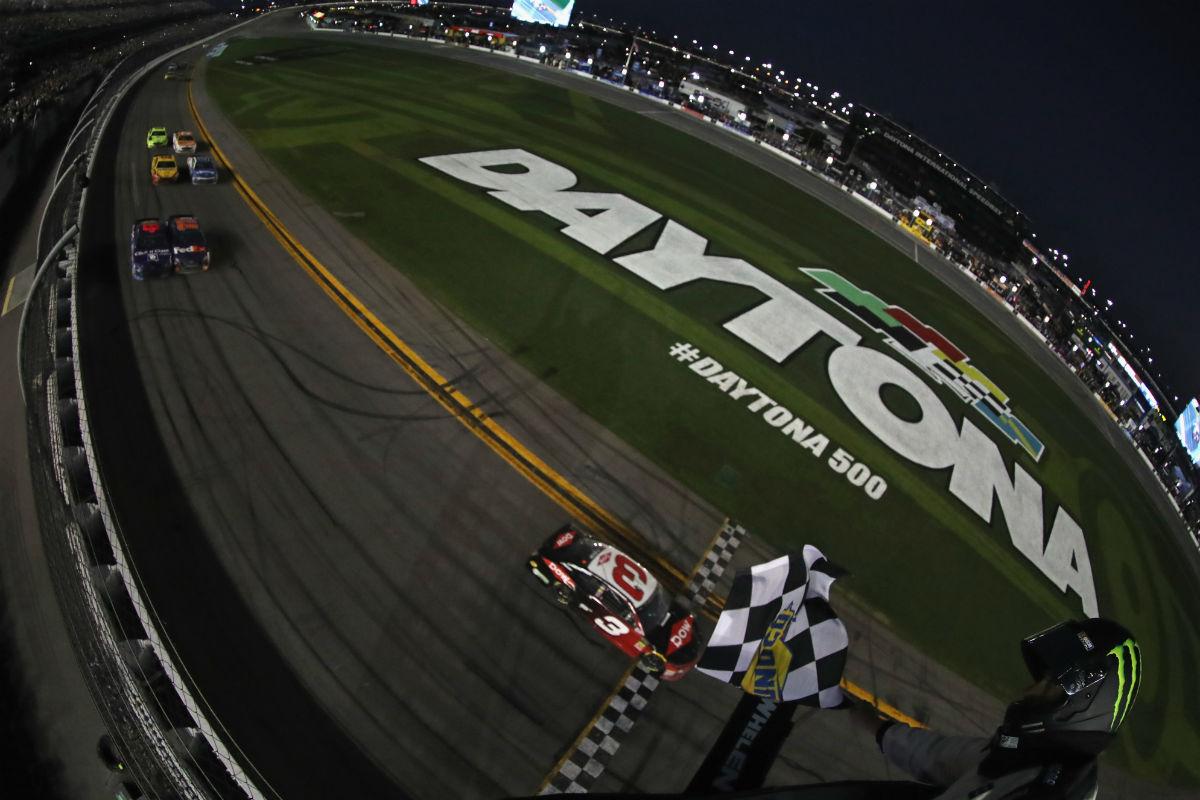3 y 43: El destino o los números mandaron en Daytona