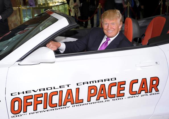 Imagen de Donald Trump al 'Pace car' de 2011 - SoyMotor.com