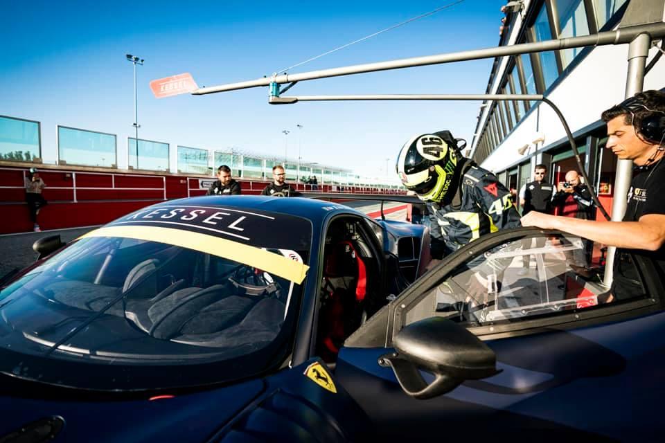 Valentino Rossi, de test con el Ferrari 488 GT en Misano - SoyMotor.com