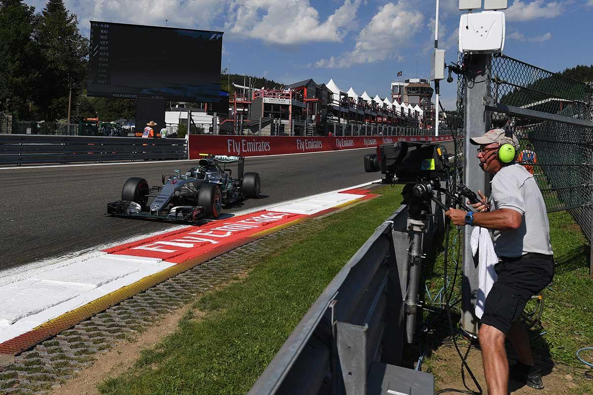 Operario de cámara en el Gran Premio de Bélgica - laF1