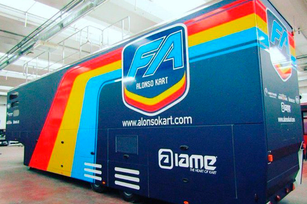 Alonso crea su propio equipo de karting, el Alonso Kart Racing Team - SoyMotor.com