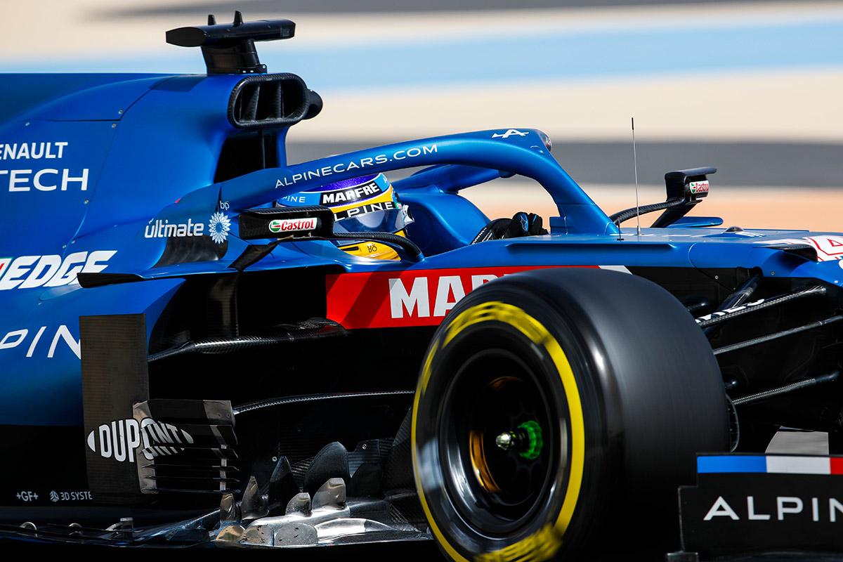 Fernando Alonso con el Alpine A521 en Baréin - SoyMotor.com