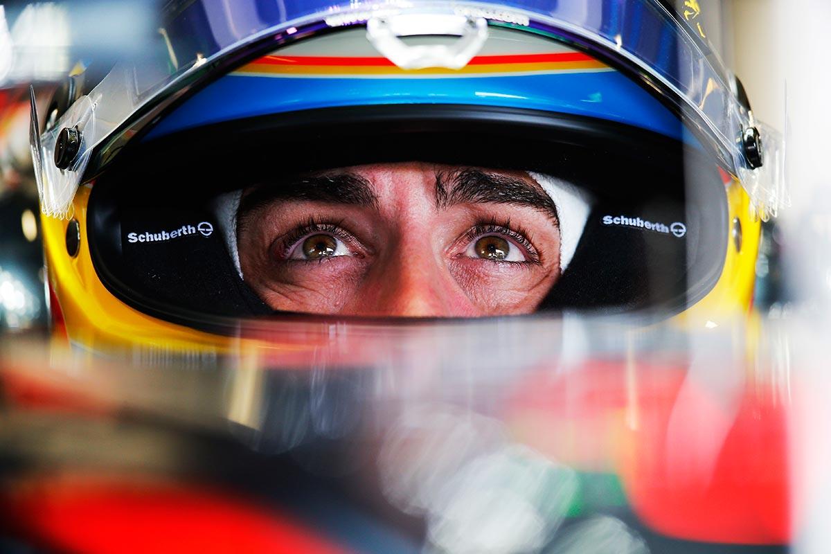 Fernando Alonso en una imagen de archivo de 2015 - SoyMotor.com