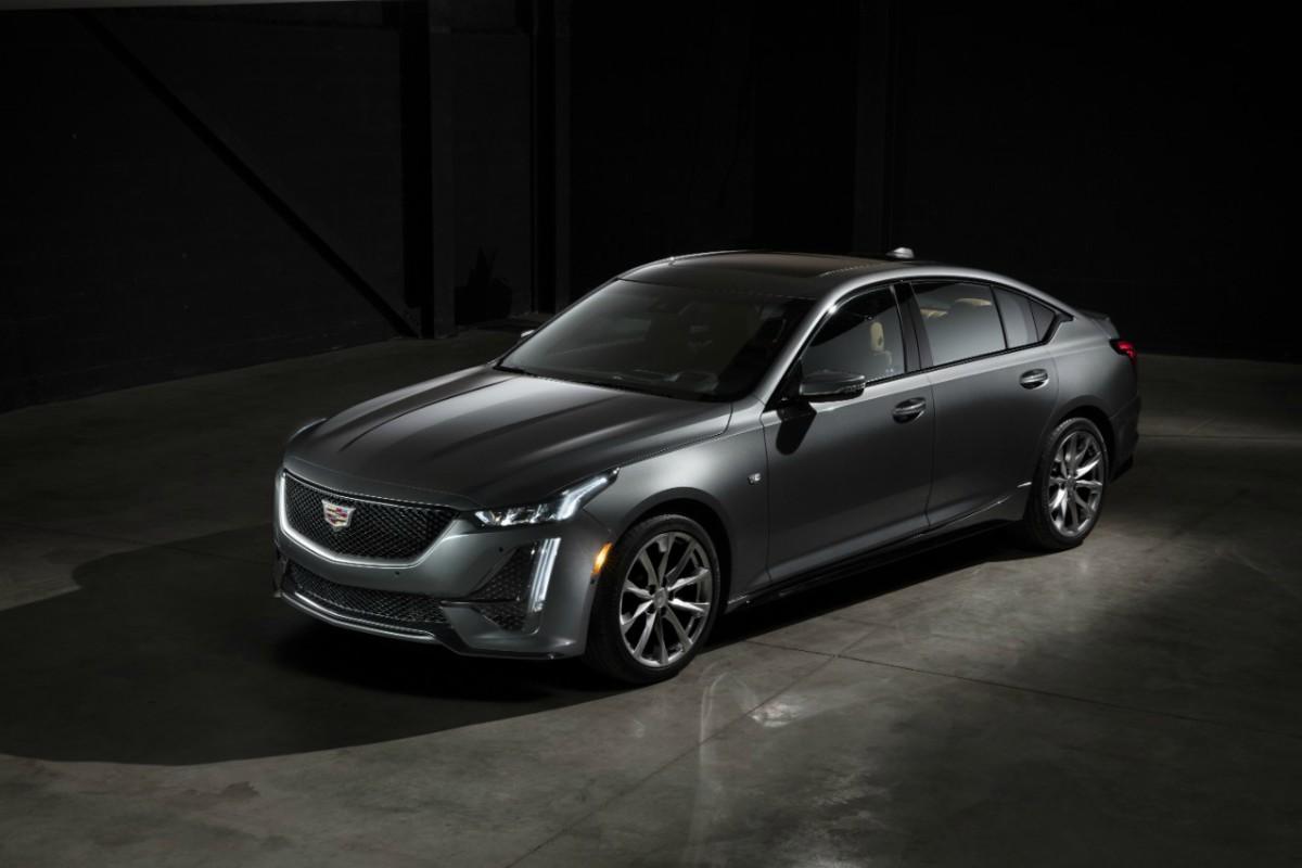 Cadillac CT5: motores turbo y conducción semiautónoma