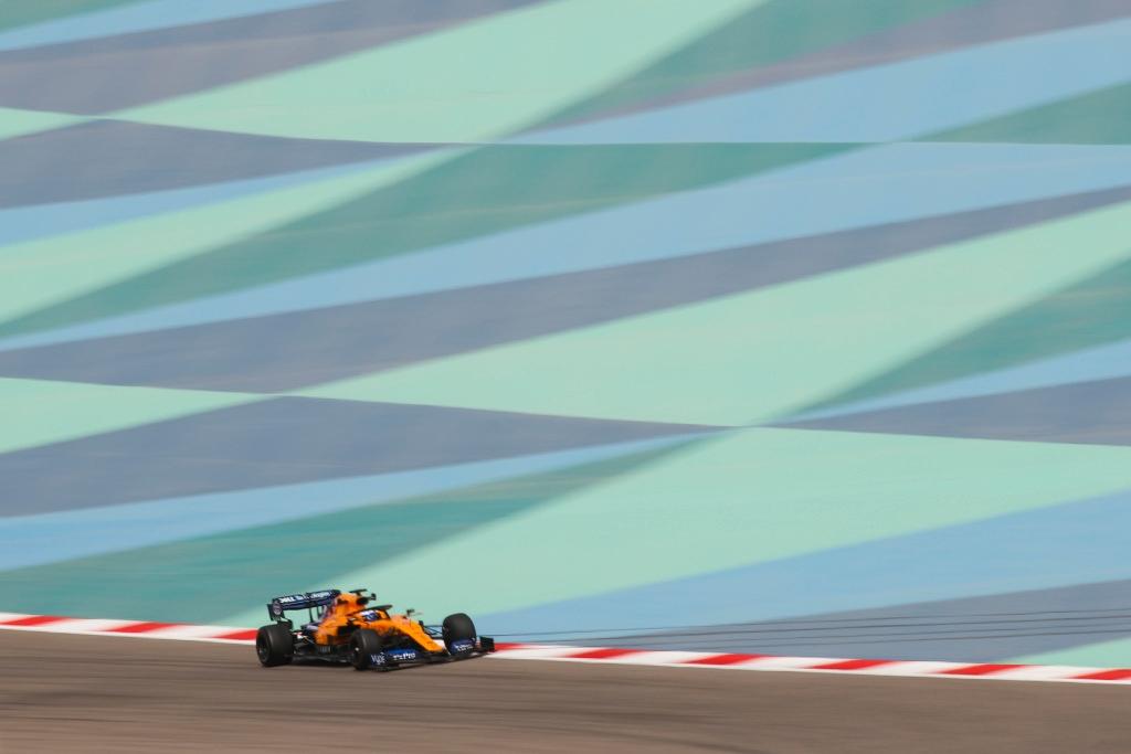 """Alonso califica de """"positivos"""" sus dos días de test en Baréin"""