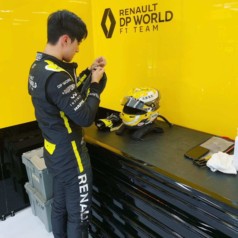 Guanyu Zhou firma 1.000 kilómetros de test con el Renault de 2018