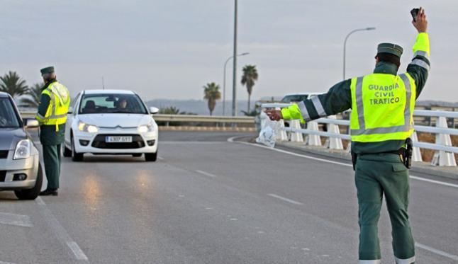 Huye de la guardia civil tras conducir en sentido - Guardia civil trafico zaragoza ...