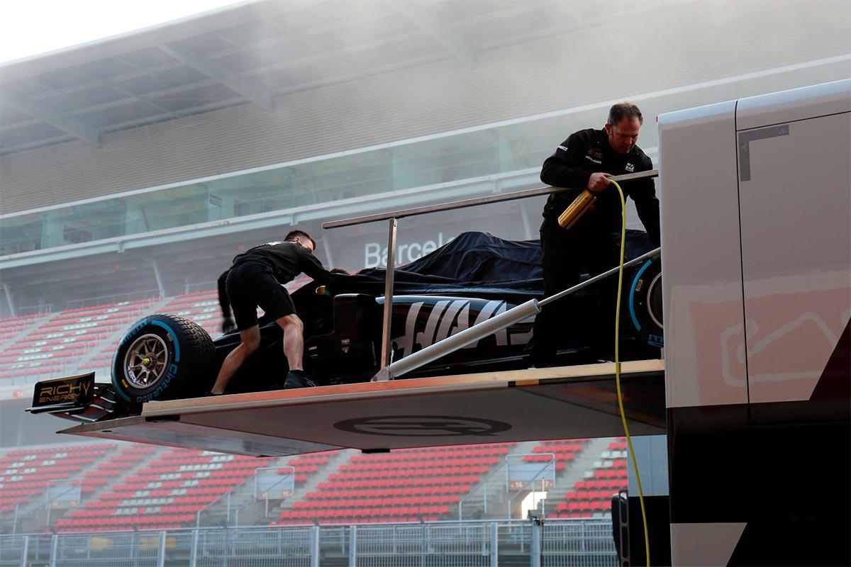 Haas abre fuego con un filming day en el Circuit de Barcelona-Catalunya