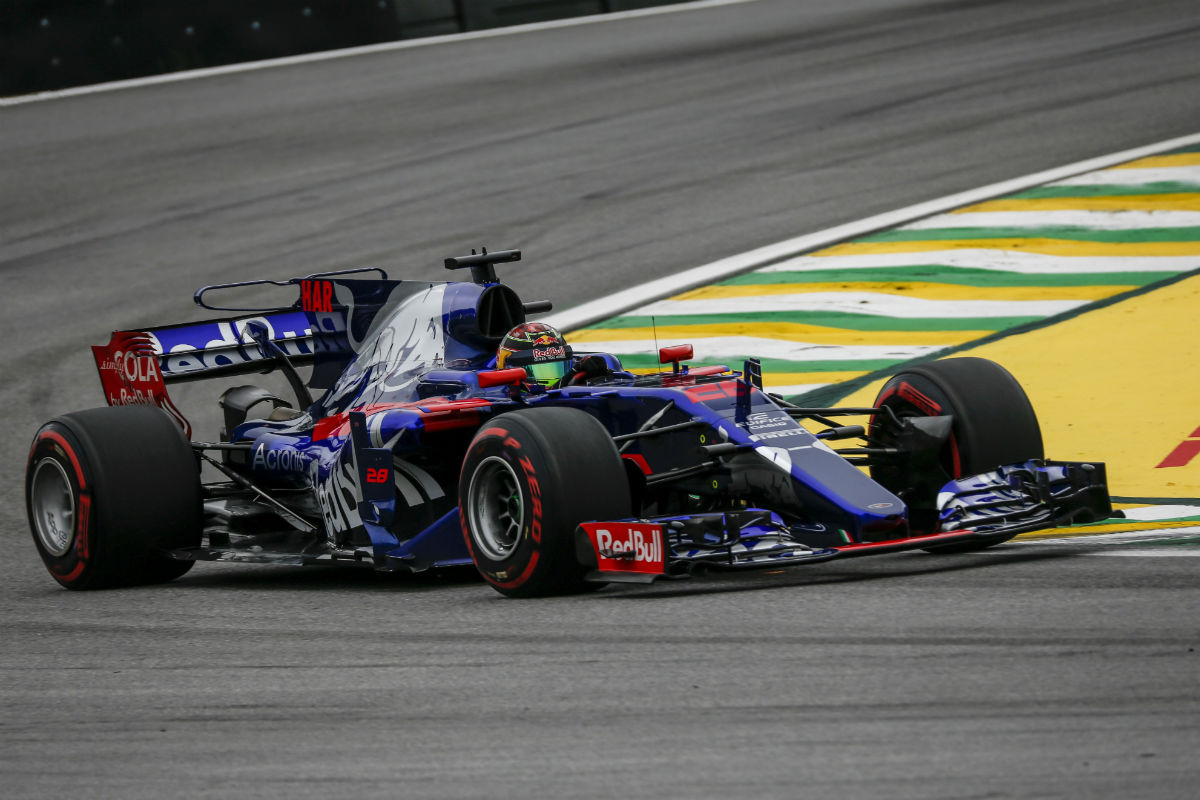 hartley no tiene su sitio asegurado con toro rosso para 2018. Black Bedroom Furniture Sets. Home Design Ideas