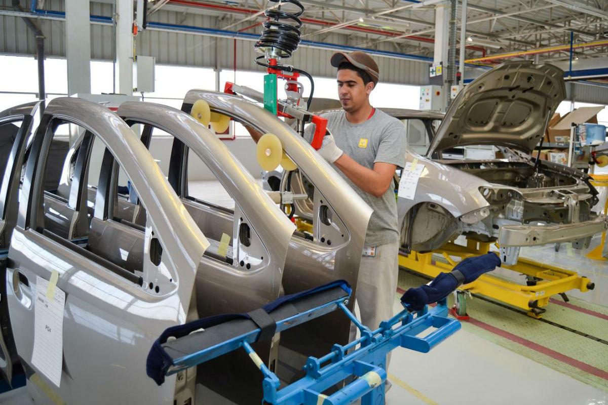 El Gobierno trabaja en un plan de impulso para la industria del automóvil