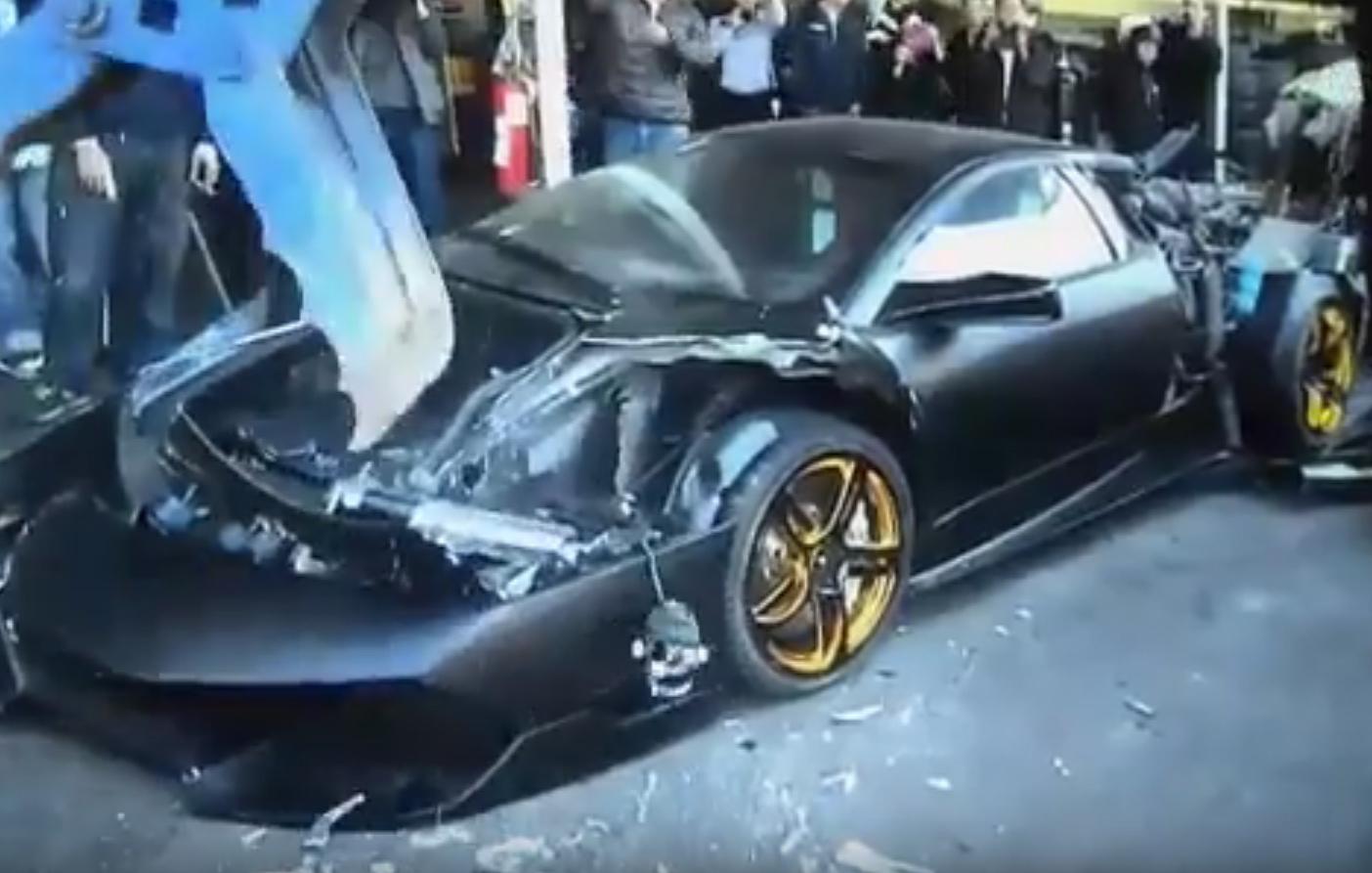 Imagenes De Un Lamborghini: Destrozan Un Lamborghini Murciélago Como Reprimenda