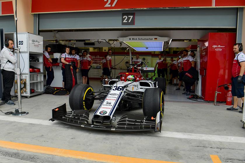 Mick Schumacher debuta con el Alfa Romeo C38 en el test de Baréin