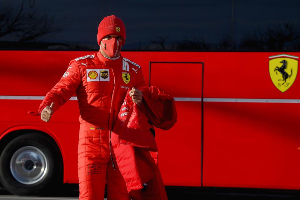 """Sainz, emocionado tras su debut con Ferrari: """"Siento cosas muy especiales"""""""