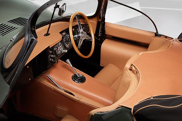 jaguar_xkss_interior_soymotor.jpg