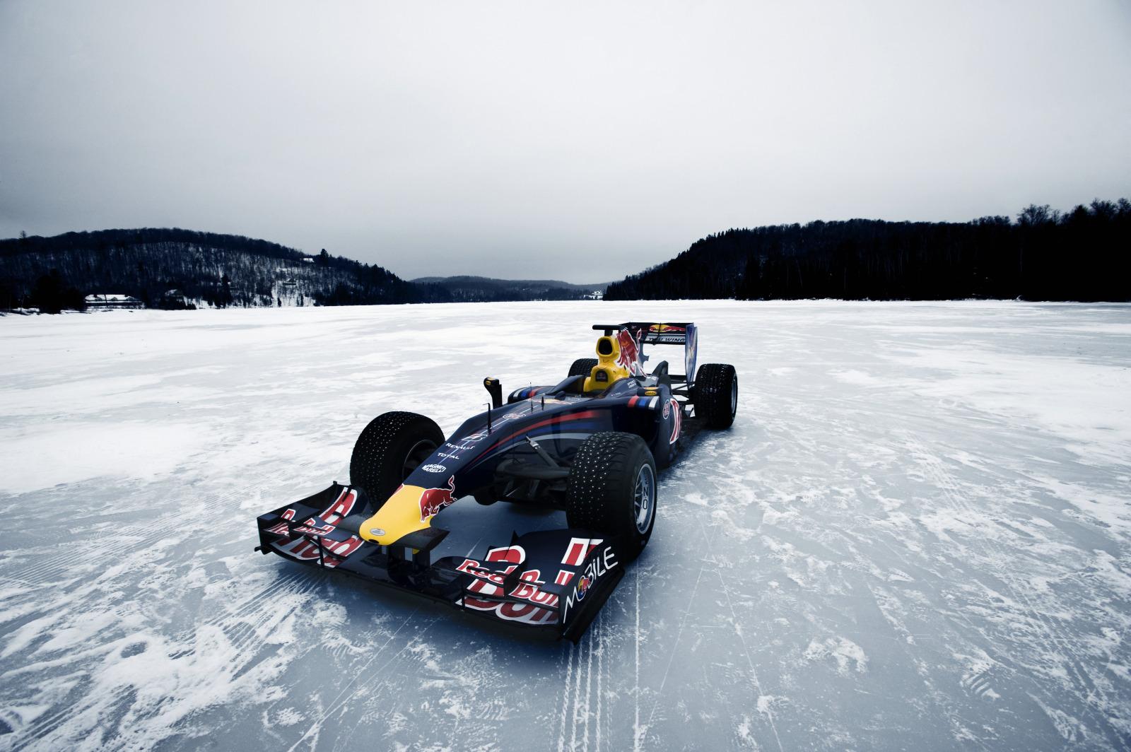 Red Bull en un lago helado de Canadá - SoyMotor.com