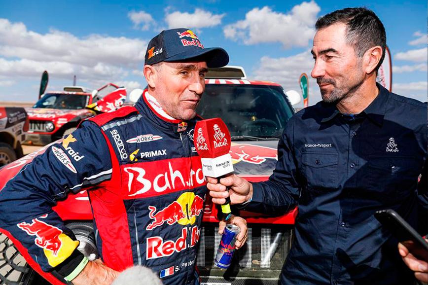 Los coches del Dakar tienen pausa 'pipi' - SoyMotor.com