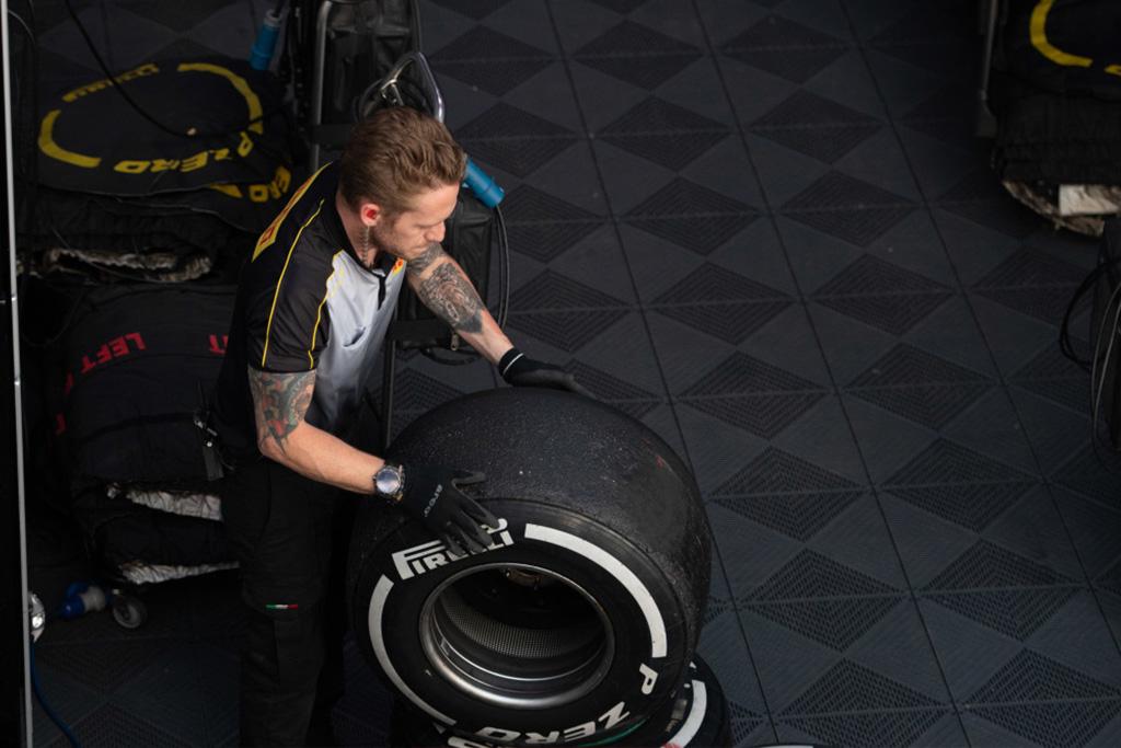 Mercedes, Ferrari y Red Bull viajarán a Barcelona para el test extra de Pirelli - SoyMotor.com