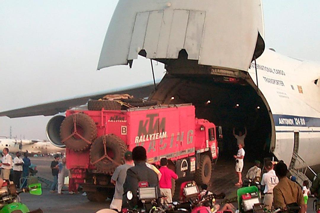 El puente aéreo del Dakar no es una novedad - SoyMotor.com