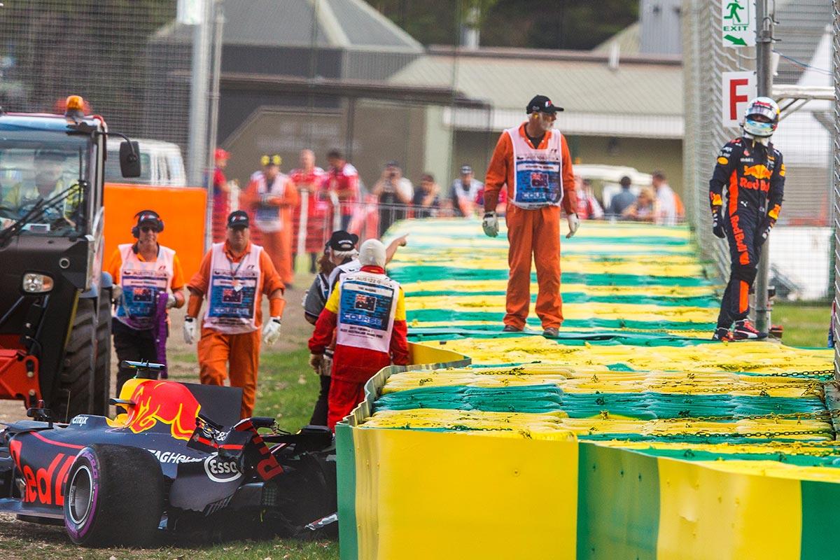 Daniel Ricciardo tras su accidente en la clasificación de Australia - SoyMotor