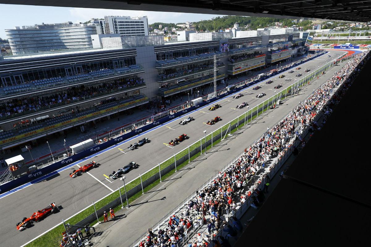 Salida del GP de Rusia 2017 - SoyMotor.com