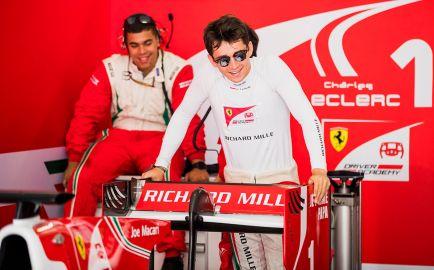 Charles Leclerc consigue Pole en Bakú tras una sesión accidentada
