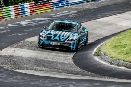 Porsche Taycan: desborda las previsiones con 30.000 reservas - SoyMotor.com