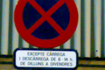 Se libra de pagar una multa porque la señal estaba en catalán - SoyMotor.com