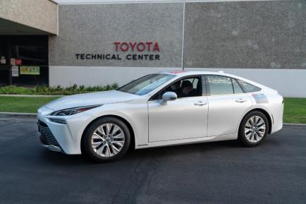 Récord Guinness del Toyota Mirai: 1.360 kilómetros con un depósito de hidrógeno - SoyMotor.com