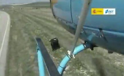Nueva función del helicóptero de la DGT: ¡ahora, también pastor! - SoyMotor.com