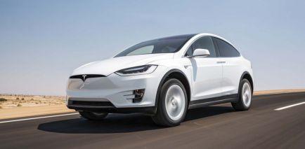 Tesla desarrolla su propio sistema IA para coches autónomos