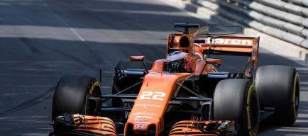 Alonso sorprende a Button por radio antes de salir en Mónaco