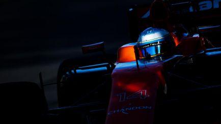 McLaren achaca el abandono de Alonso a un fallo de los frenos