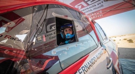 """Alonso nota progresos en su test para el Dakar: """"Va todo bien"""""""