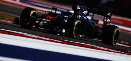 """Boullier: """"Ir a Mercedes no sería una buena jugada para Alonso"""""""