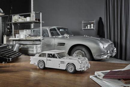 Siéntete como James Bond con este Aston Martin DB5, aunque sea de Lego