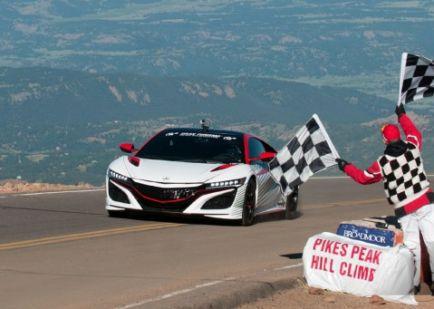 El domingo es el Pikes Peak Hill Climb y podrás verlo gratis en streaming