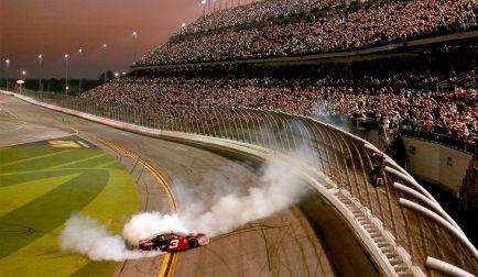 Humor: La NASCAR tira de PowerPoint para intentar convencer a Alonso