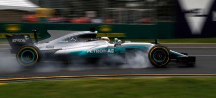 CRÓNICA L2: Mercedes lidera, Ferrari se acerca, Sainz promete y McLaren mejora