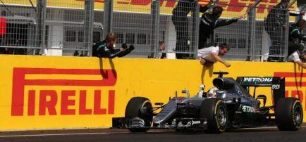 """Hamilton: """"Tener más victorias aquí que Schumi es increíble"""""""