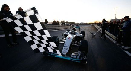 """Mercedes busca a alguien """"mejor"""" que Nico para antes de fin de año"""