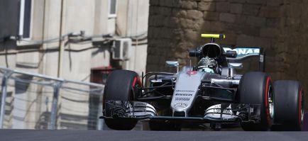 Mercedes genera 900 caballos de potencia, según su jefe de motor