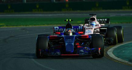 """Sainz: """"Es difícil cuando te falta velocidad, pero 8º no está mal para empezar"""""""