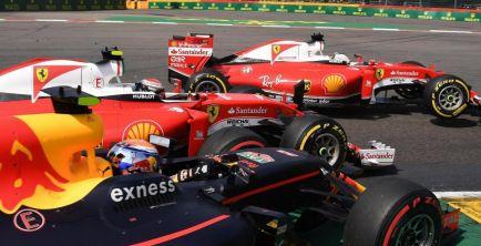 """Verstappen: """"Vettel y Kimi deberían estar avergonzados"""""""