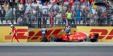"""Vettel choca en casa cuando era líder: """"He tirado la victoria"""""""