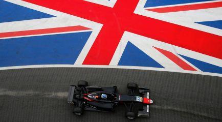 Vips gana la carrera 3 de Silverstone; Fenestraz 2º y Palou 7º