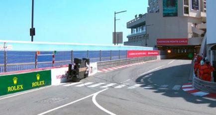 """Wehrlein: """"Me asusté, había humo y no podía salir del coche"""""""